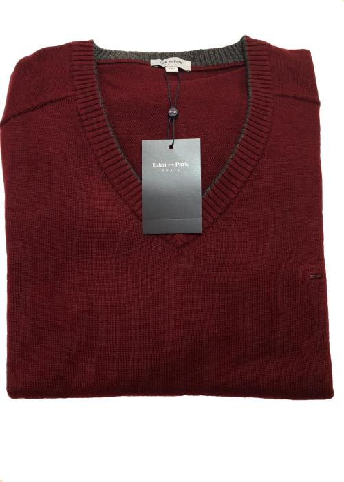 Trimmed V-Neck Sweater (Wine)